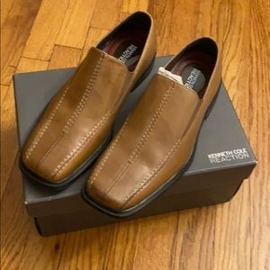 NIB Kenneth Cole REACTION Guyding Light Slipon 8.5